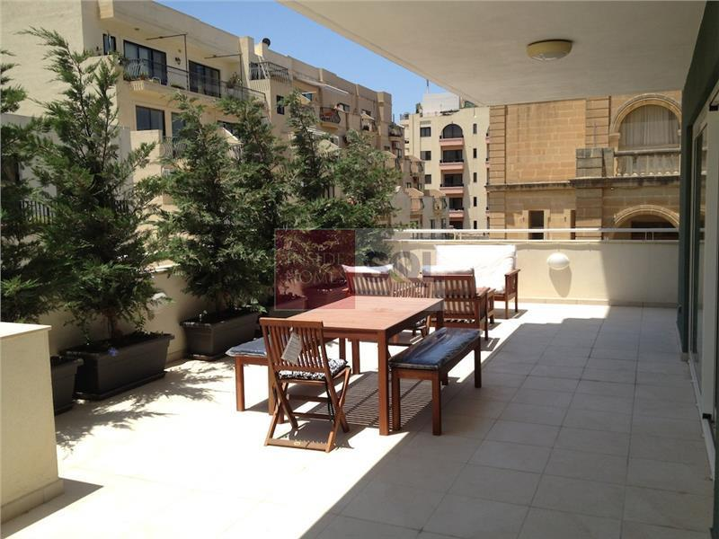 Apartment in Fort Cambridge For Sale / To Rent