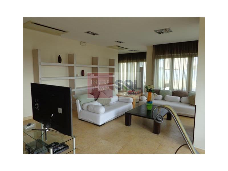 Penthouse in Portomaso To Rent