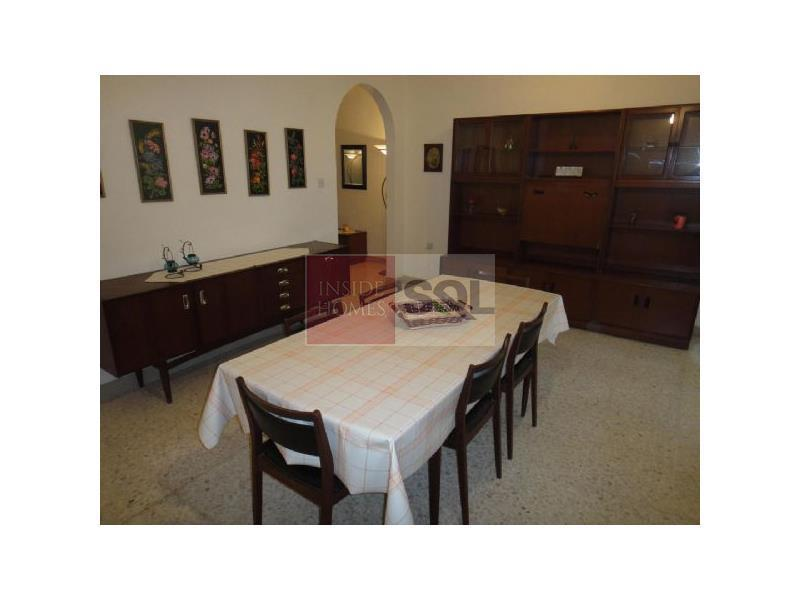 Townhouse in Luqa To Rent