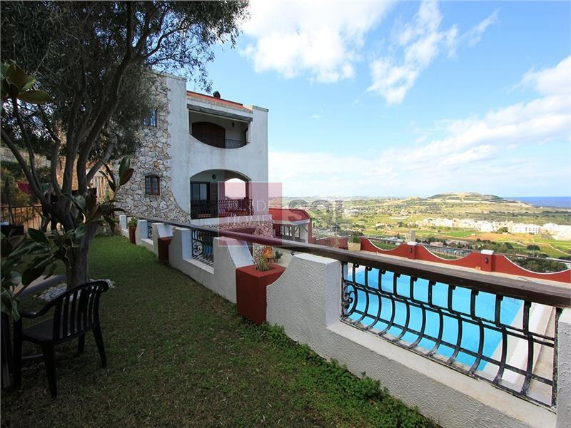 Villa in Madliena For Sale