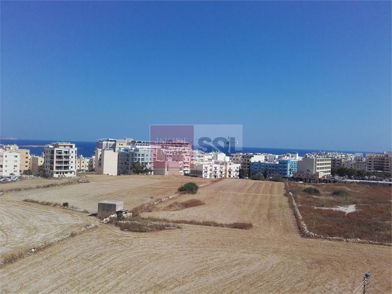 Apartment in Qawra For Sale