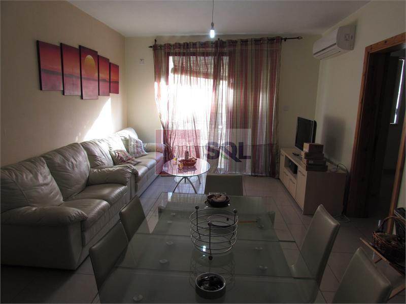 Apartment in Qawra To Let