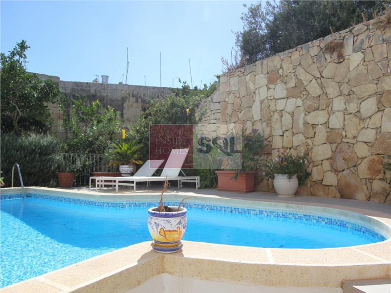 House of Character in Lija To Rent