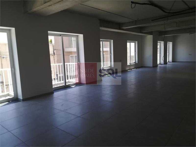 Office Commercial in Birkirkara To Let
