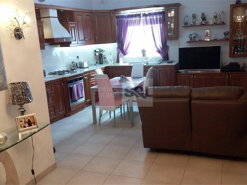Apartment in Zabbar To Rent