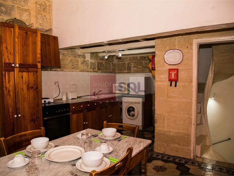 Townhouse in Valletta To Rent