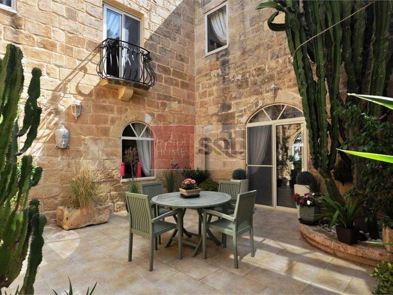 Farmhouse in Mgarr To Rent
