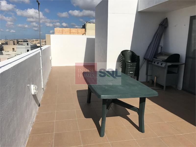Penthouse in Zabbar To Rent