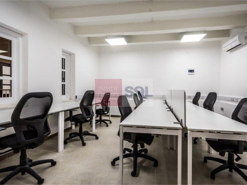 Office Commercial in Valletta For Sale