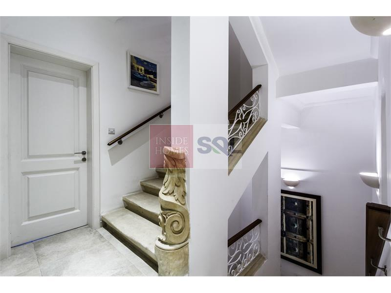 Townhouse in Valletta For Sale / To Rent