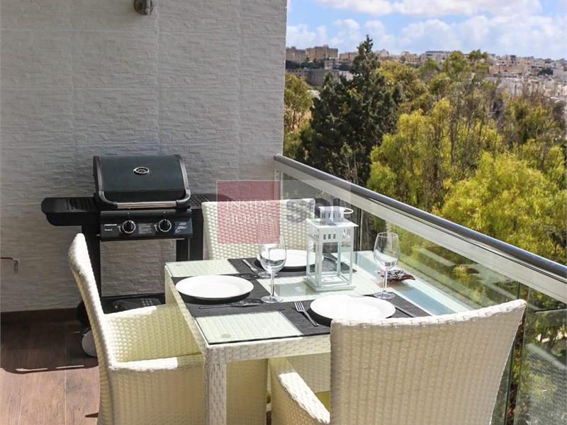 Penthouse in St. Julians To Rent