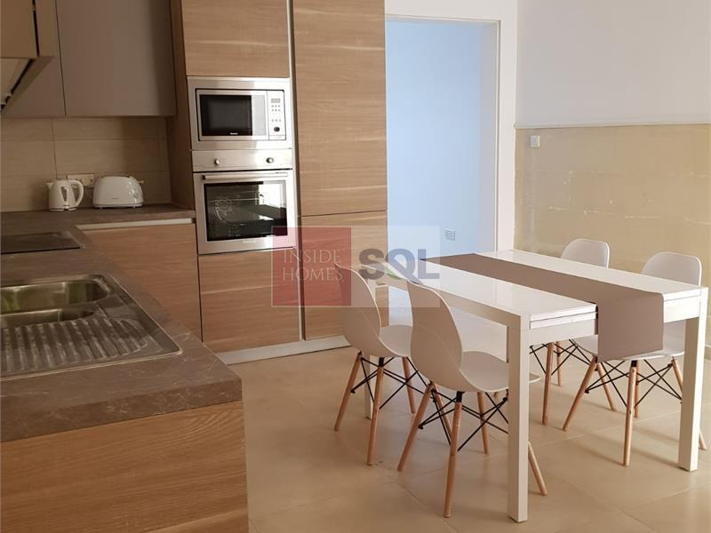 Townhouse in Kalkara To Let