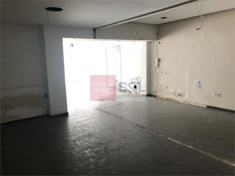 Commercial in Mosta To Let