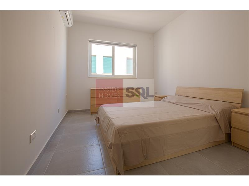 Apartment in Manikata To Let