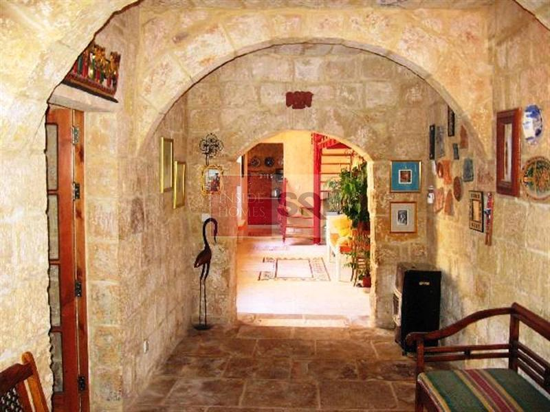House of Character in Zurrieq To Let