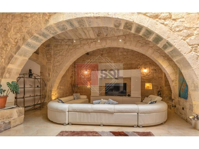 House of Character in Qormi To Let