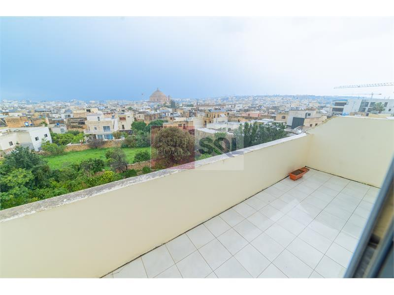 Penthouse in Mosta To Let
