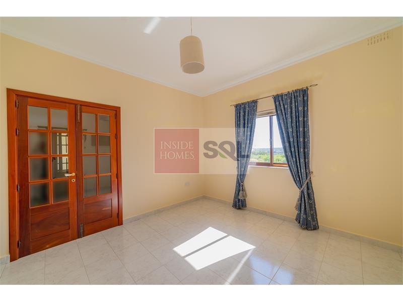 Terraced House in Marsascala To Rent