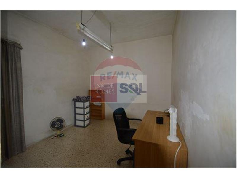 Terraced House in Fgura For Sale