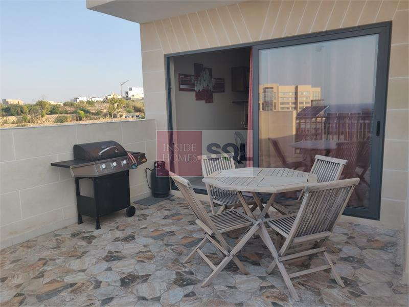Penthouse in Kalkara To Rent