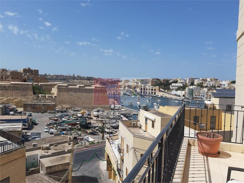 Apartment in Kalkara To Rent