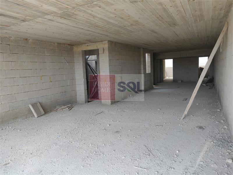 Retail/Catering in Mosta To Let