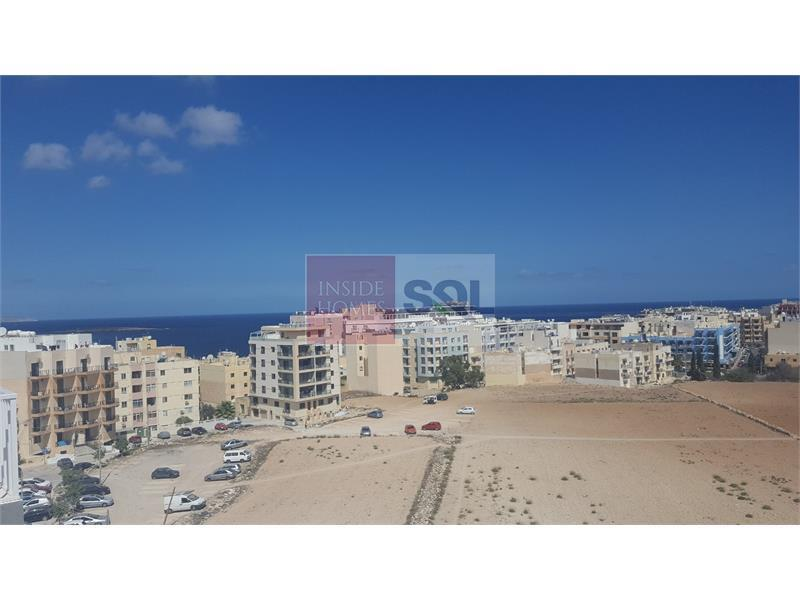 Penthouse in Qawra To Let