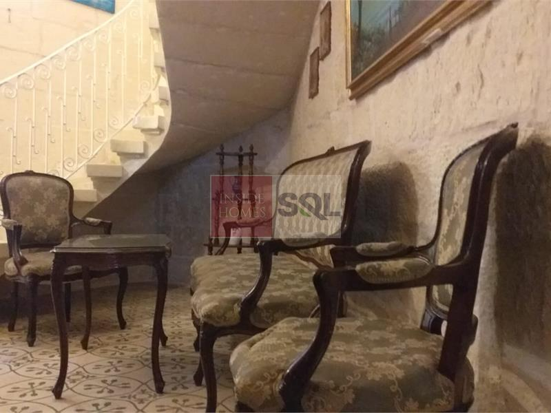 Townhouse in Mosta To Rent