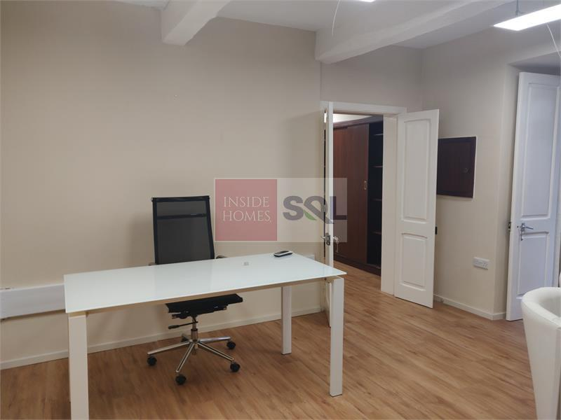 Office in Valletta To Let