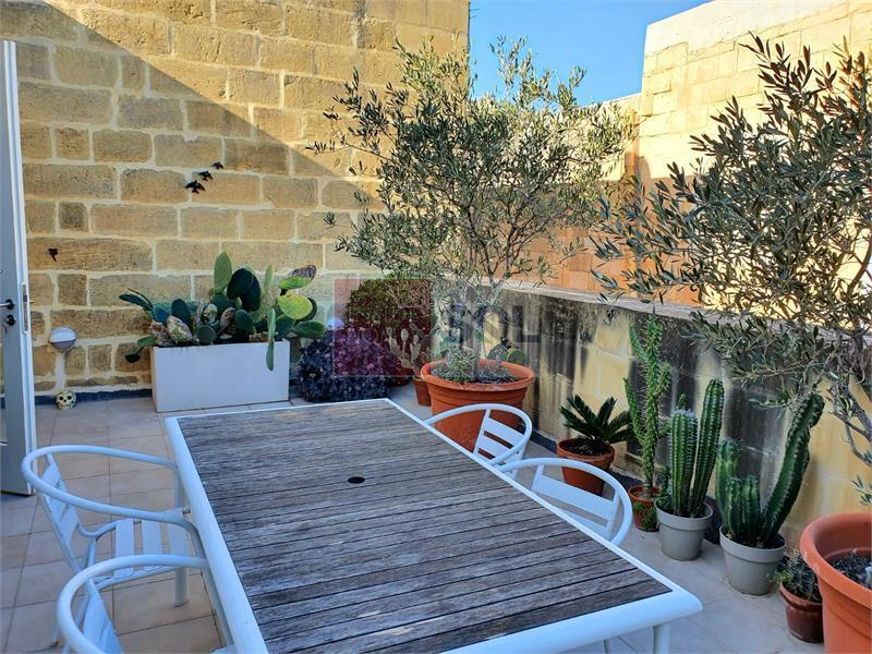 Penthouse in Valletta To Rent