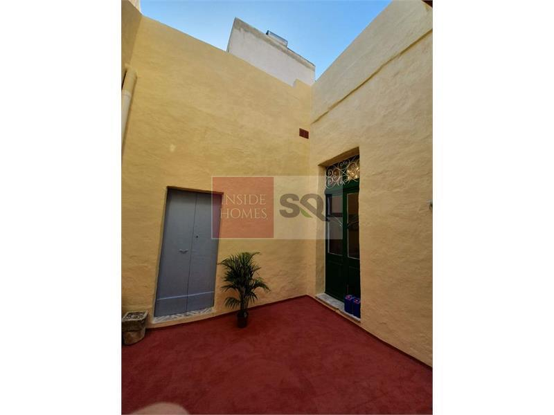 Townhouse in Zabbar To Rent