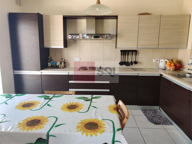Apartment in Mensija To Rent