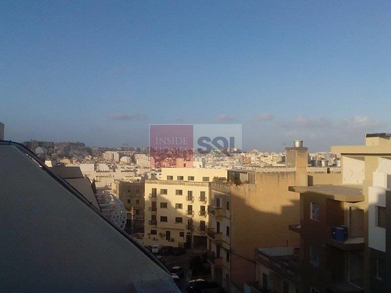 Semi-Detached Penthouse in Msida To Rent