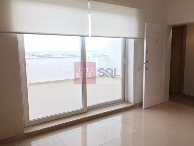 Penthouse in Santa Venera To Rent